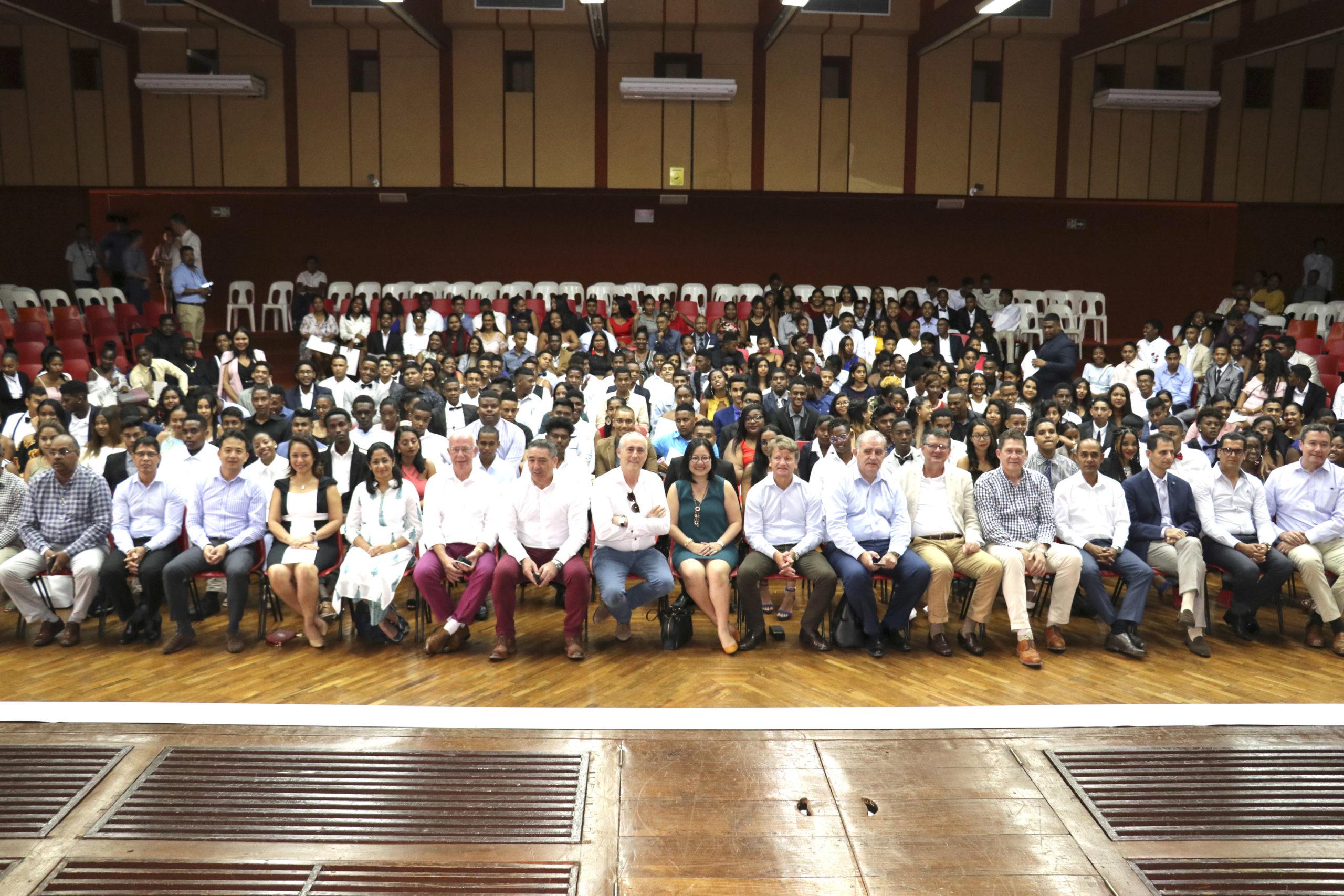 2 500 jeunes bénéficiaires de la FED depuis 2001   business-magazine.mu