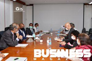 Photo des discussions avec les techniciens du ministère de la santé
