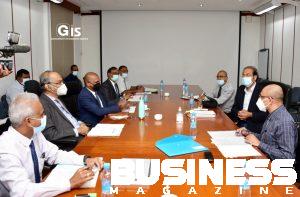 Photos des discussions avec les techniciens du ministère du tourisme