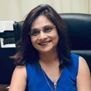 Dr Geetanee NAPAL Associate Professor Faculté de Droit et de Gestion Université de Maurice